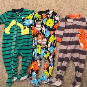 3 carters size 12 month fleece  footed pajamas